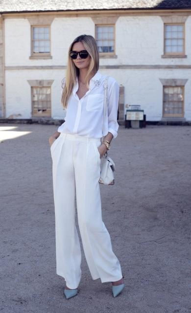 Πέτυχε το απόλυτο office look συνδυάζοντας τη λευκή παντελόνα σου με λευκό παντελόνι!