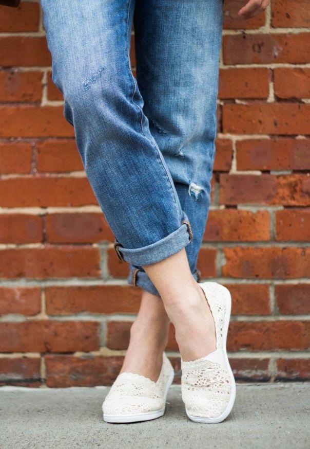 Συνδύασε το boyfriend jeans σου με flat espadrilles!