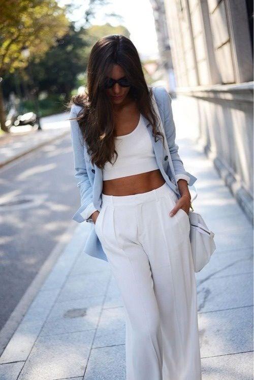 Συνδύασε το crop top σου με μια stylish παντελόνα!