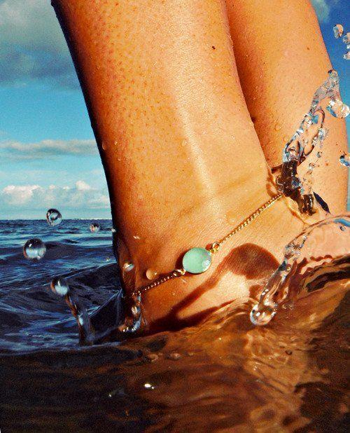 Τα κοσμήματα για το πόδι μας συντροφεύουν και στις βουτιές μας!