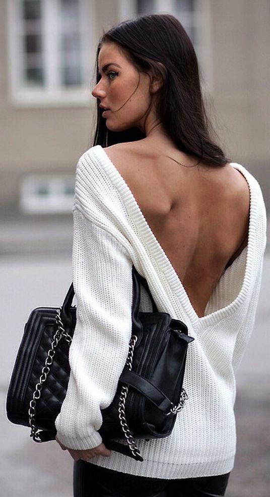 Ένα πουλόβερ μπορεί να αναδείξει τη θηλυκή σου πλευρά!