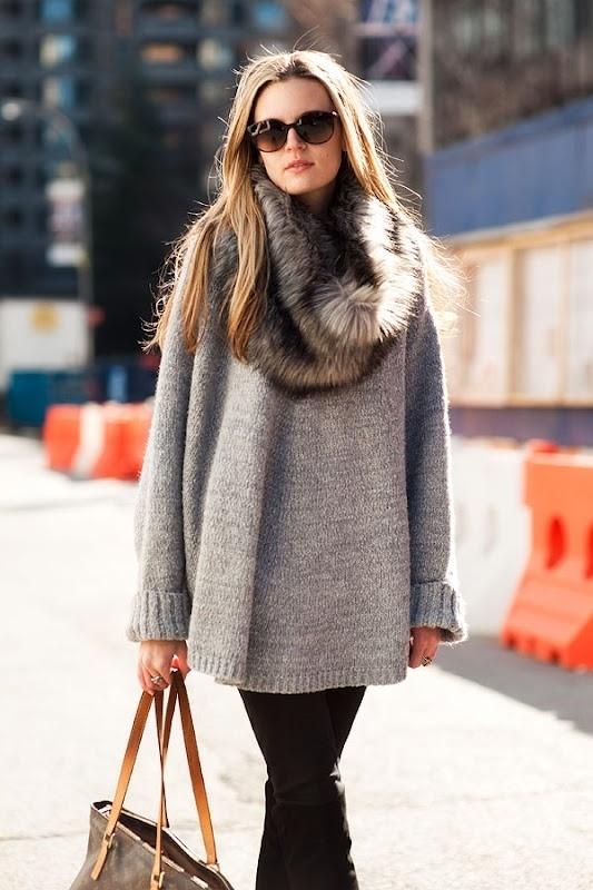 Ένα ιδιαίτερο πουλόβερ θα σε κρατήσει ζεστή αλλά και sexy!